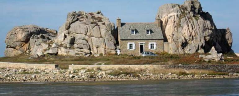 PLOUGRESCANT  ( Bretagne )