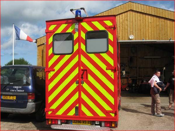 voiture de pompier crée sur mesure