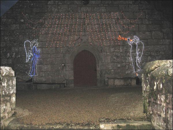 anges-illumines-sur-l 'eglise