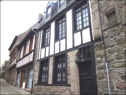 Maisons-a-colombages